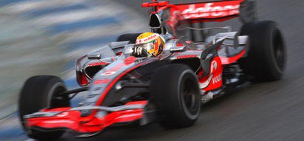 Mercedes-Benz haluaa enemmistöosuuden McLarenista.