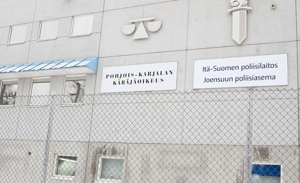 Pohjois-Karjalan käräjäoikeudessa tänään veneilyreissujen hukkumistapaukset.