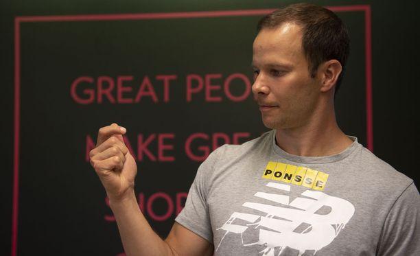Tero Pitkämäki päättää uransa jatkosta sen perusteella, onnistuuko kilpaileminen tänä kesänä katkenneella eturistisiteellä.