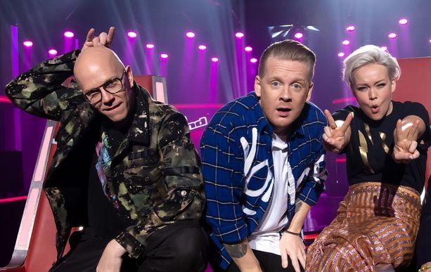 Toni Wirtanen, Redrama ja Anna Puu naljailevat toinen tosilleen, mutta rakkaudella.