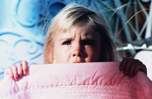 Heather O'Rourke näytteli elokuvassa isossa roolissa.