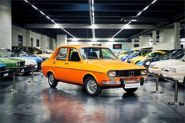 Renault 12 tuli markkinoille vuonna 1968 ja sen valmistus jatkui myöhemmin Dacian nimellä.