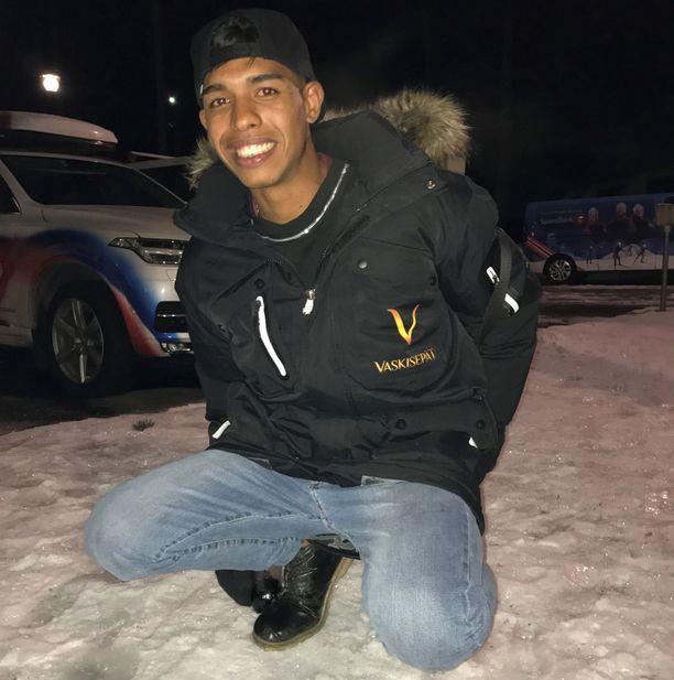 Solano sai ottaa ensituntumaa lumeen Vierumäellä.