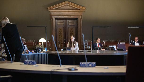 Hallitus kokoontui neuvottelemaan EU:n elpymisvälineen oikeudellisesta perustasta perjantaiaamuna.