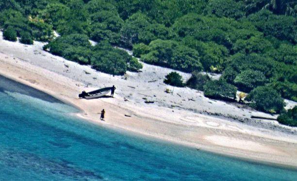 Pelastusalus saapunee saarelle viikonlopun aikana.