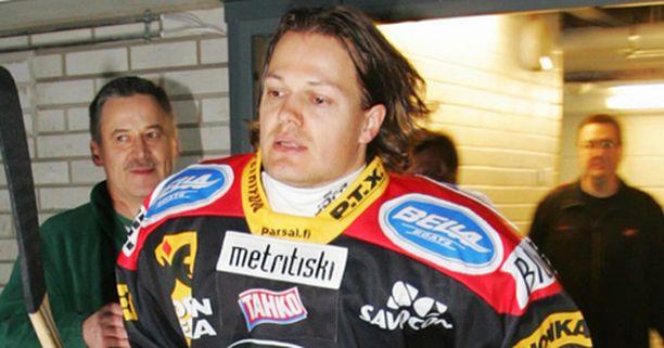 Sami Kapanen asteli kentälle KooKoota vastaan joulukuussa 2004.