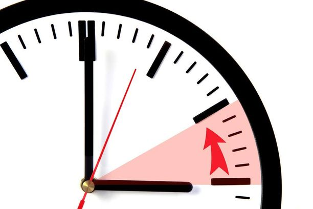 Kelloja siirretään sunnuntain vastaisena yönä kello 04.00 tunnilla taaksepäin.
