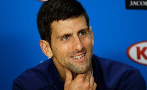 Novak Djokovic valmistautui vesipuistossa tiistaina alkavaan tennisturnaukseen.