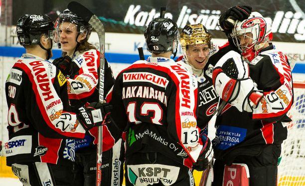 JYPin kapteeni, kultakypärääkin pitänyt Juha-Pekka Hytönen on johtanut joukkonsa huimaan lentoon.