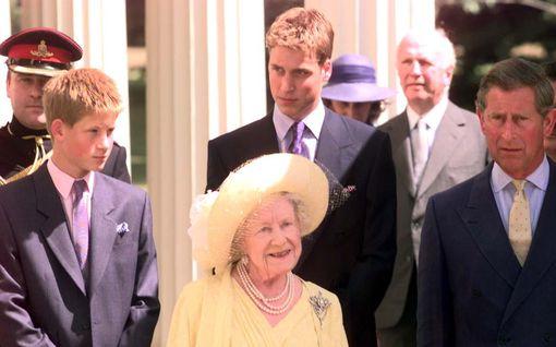 Kuningataräiti testamenttasi Harrylle isomman potin kuin Williamille – sääli kruunutta jäävää poikaa