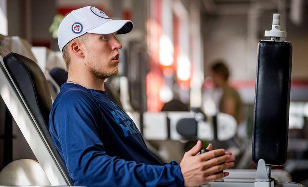Patrik Laine hikoili lähes koko kesän Turussa Hannu Rautalan ohjeiden mukaan.