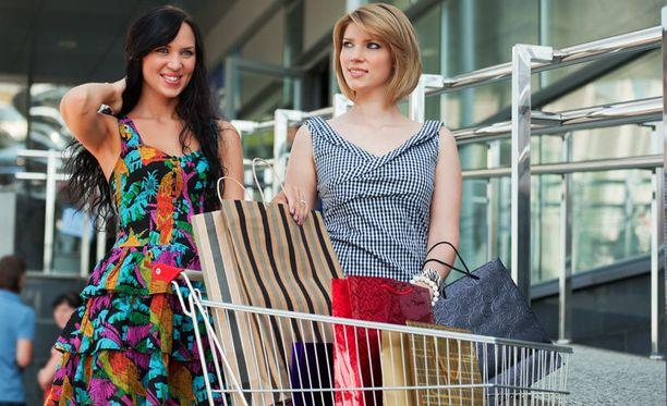 Cityconin tutkimus paljastaa, että naisten shoppailureissut kestävät huomattavasti miesten vastaavia pidempään.