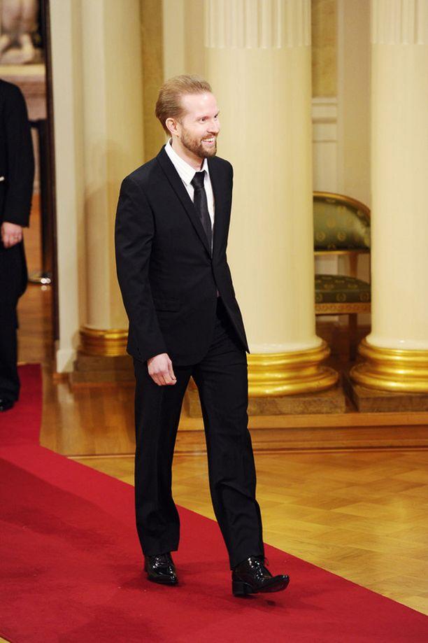 Himanen asteli punaisella matolla Linnan juhlissa vuonna 2011. Tänään hän astuu pitkän hiljaiselon jälkeen julkisuuteen Säätytalolla.