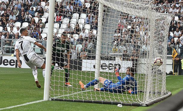 Ronaldolla oli helppo työ iskeä uransa ensimmäinen Serie A -maali.