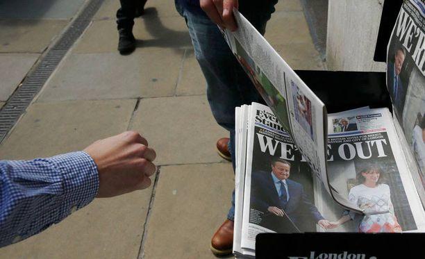 Brittein lehdistö on erittäin jakautunut Brexitin suhteen ja sitoutumattomatkin lehdet ottavat Brexit-kysymykseen kantaa näkyvästi. Esimerkiksi The Sun ja Daily Mail ovat vaatineet EU:sta eroamista näyttävästi. EU:ssa pysymisen puolesta kirjoittavat muun muassa The Times, The Guardian ja The Independent sekä EU-vastaisen Daily Mailin sunnuntaipainos Mail on Sunday. Kuvituskuva.
