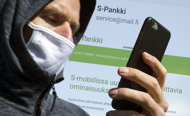 S-Pankin nimissä on liikkeellä useita huijausviestejä.
