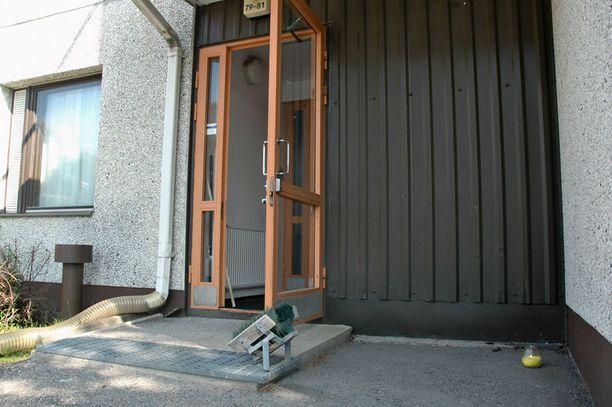 Tästä Oulussa sijaitsevasta talosta löytyi tiistaina viiden lapsen ruumit.