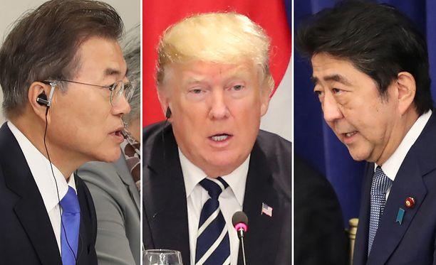 Etelä-Korean presidentti Moon Jae-in (vas.), Yhdysvaltain presidentti Donald J. Trump ja Japanin pääministeri Shinzo Abe (oik.) ovat keskustelleet Pohjois-Korean uhittelusta kerran jos toisenkin.