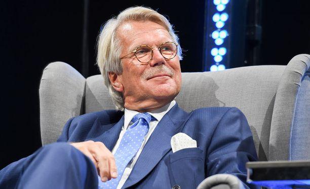 Björn Wahlroos ja Nordean konsernijohtaja Casper von Koskull eivät selviä pelkällä säikähdyksellä ja anteeksipyynnöillä, kirjoittaa Olli Ainola.