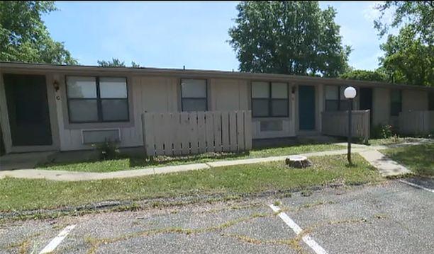 Tässä talosta Nicholsin ruumis löytyi vuonna 2002.