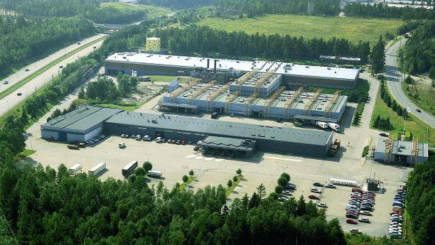 Valio aloitti juuston valmistuksen ja pakkaamisen Vantaan tehtaallaan vuonna 1973.
