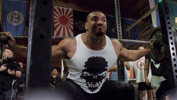 Larry Wheels pyrkii olemaan mahdollisimman vahva kehonrakentaja.