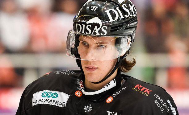 Antti Kalapudas debytoi tänään KalPa-nutussa.