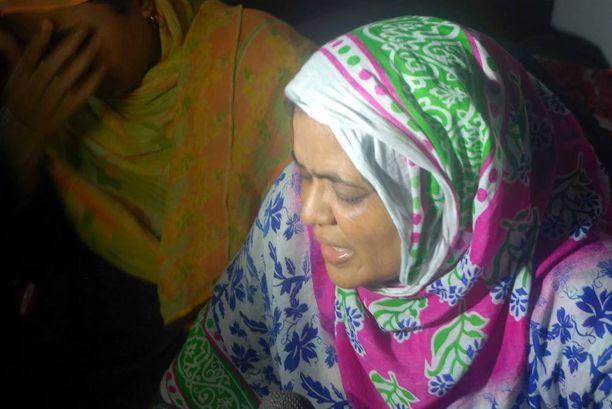 Rezaul Karim Siddiqueen sisko suri veljensä järkyttävää kuolemaa Bangladeshin Rajshahissa.