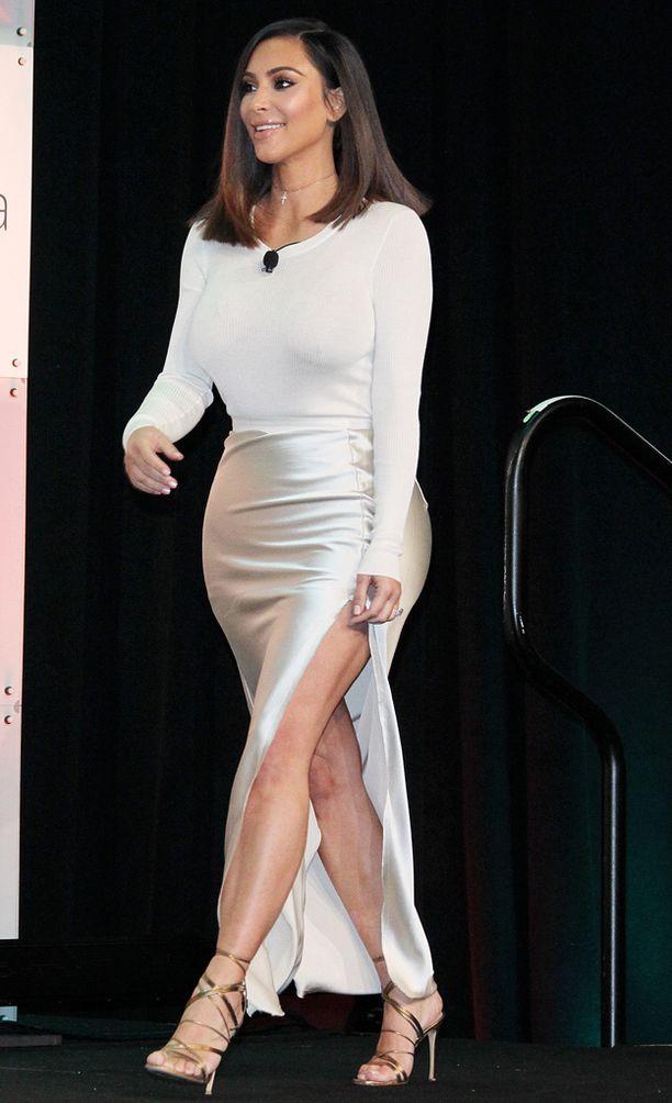 Kim Kardashian on laihtunut rutkasti viimeisimmän raskautensa jälkeen.