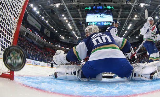 KHL nöyryytti itseään valitsemalla märkäkorvan tähdistövalmentajaksi.
