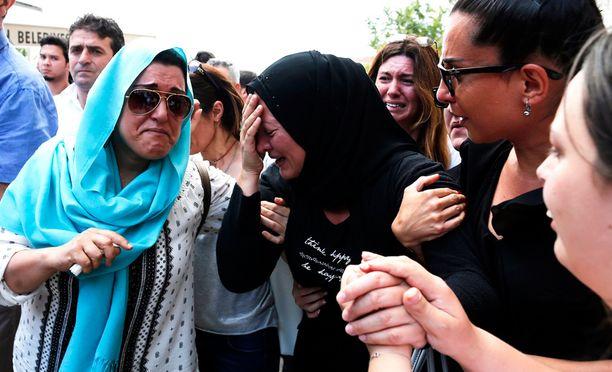 Istanbulin lentokentälle tehdyssä iskussa kuoli yli 40 ihmistä ja loukkaantui noin 240.