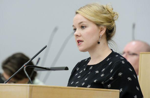 Katri Kulmuni on toisen kauden kansanedustaja.