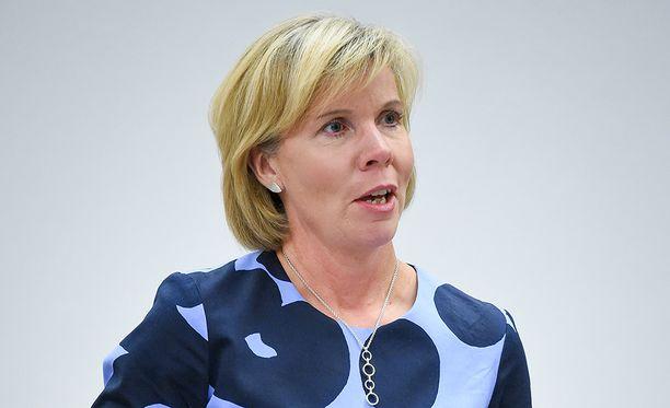 Anna-Maja Henriksson on johtanut RKP:tä kesästä 2016 lähtien. Hän kertoo pyrkivänsä jatkokaudelle syksyn puoluekokouksessa.