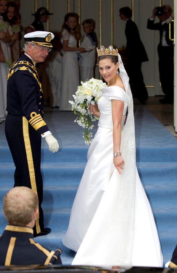 Kruununprinsessa Victorian häät vuonna 2010 eivät olleet yhtä suuret juhlat kuin isä-Kaarlen tulevat syntymäpäivät.