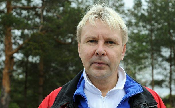 IKÄVÄ Matti Nykänen kaipaa vaimoaan.