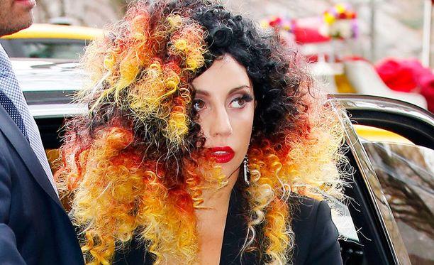 Lady Gaga ei ole paljastanut raiskaajan henkilöllisyyttä.