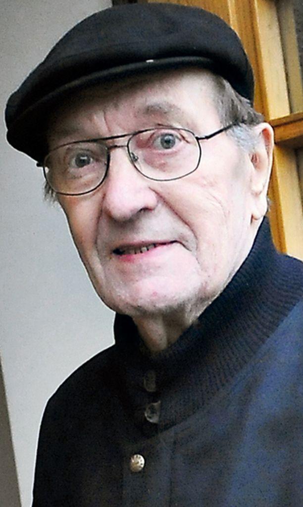 Joulu pelastui Valtioneuvos Harri Holkerin joulu pelastui, kun hän pääsi eilen vihdoin sairaalasta kotiin.