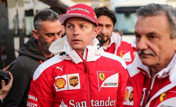 Kimi Räikkönen jatkaa uuden Ferrarinsa testaamista torstaina.