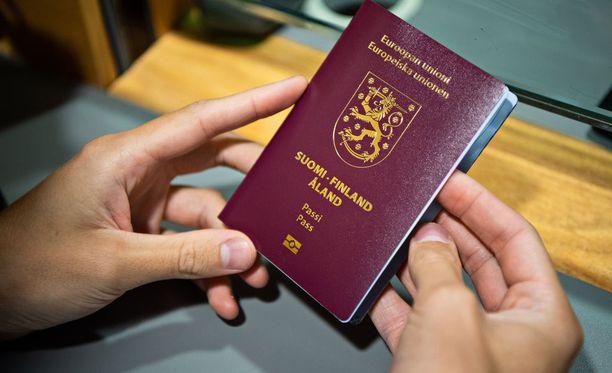 Rajavartiolaitos muistuttaa, että vaikka passissa onkin valmistusvirhe, on se silti aito ja voimassaoleva matkustusasiakirja.
