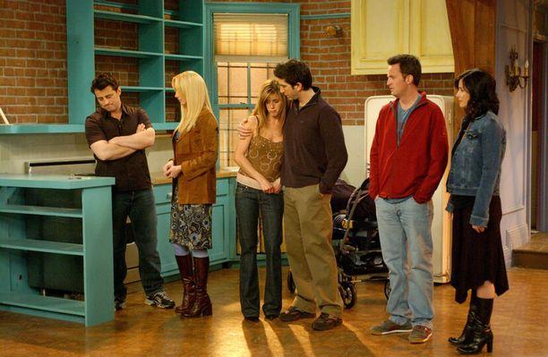 Matt Le Blanc, Lisa Kudrow, Jennifer Aniston, David Schwimmer,  Matthew Perry ja Courteney Cox viimeisessä jaksossa vuonna 2004.