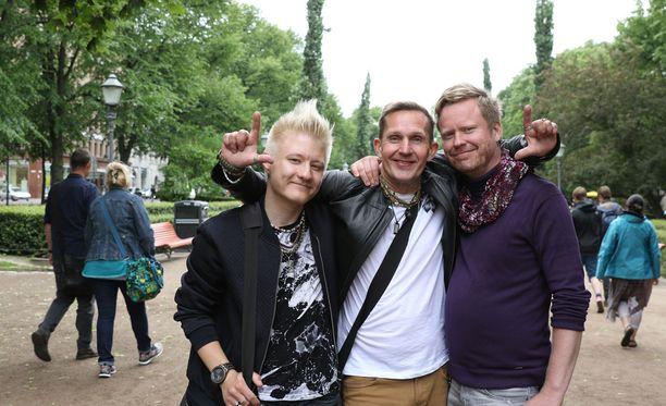 Kielletty rakkaus -sarjan juontaa Sami Minkkinen.