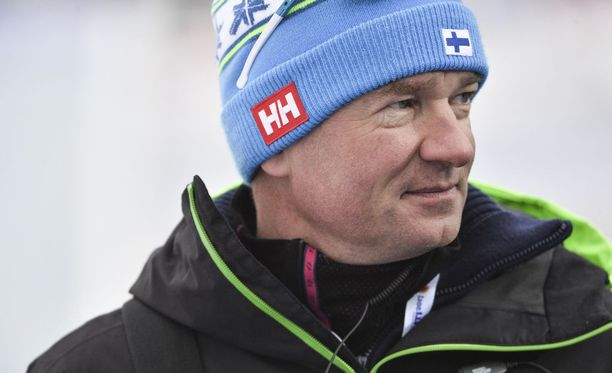 Poliisi Matti Haavisto on hiihdon uusi päävalmentaja.