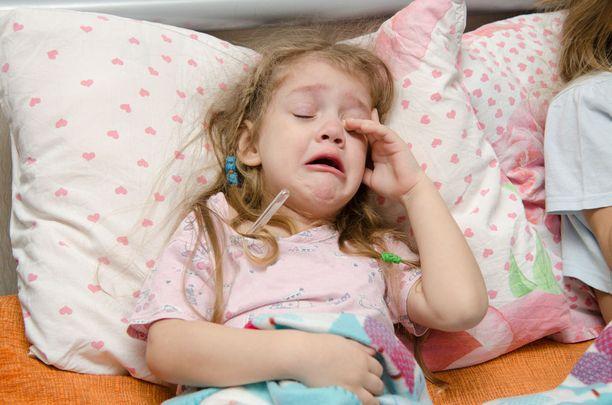 Riippumatta siitä, onko välikorvatulehdukseen aloitettu antibiootti vai ei, lääkäriin pitää olla yhteydessä, mikäli lapsen vointi ei parane tai huononee.