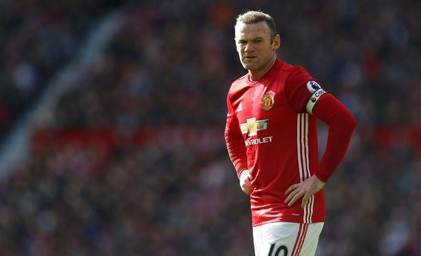 Manageri José Mourinho on viime aikoina selittänyt Wayne Rooneyn poissaoloa viheliäisellä nilkkavaivalla.