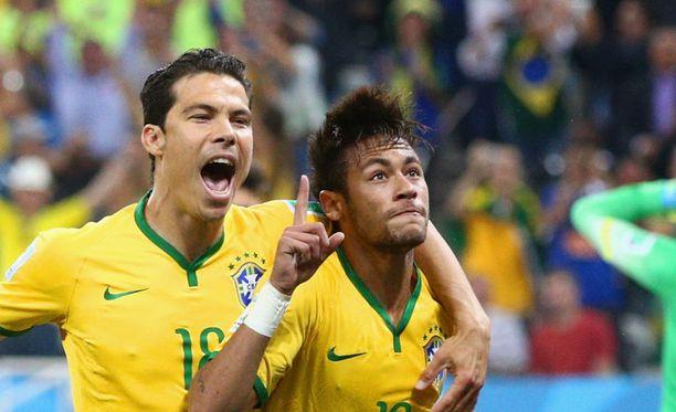 Neymar iski kaksi maalia Kroatian verkkoon. Silloin vielä tummahiuksisena.