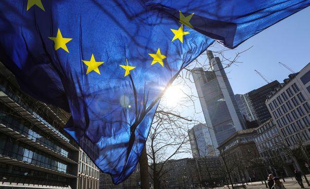 Uutistoimisto AFP:n mukaan Euroopan unionin tullikorotukset eivät astu vielä voimaan.