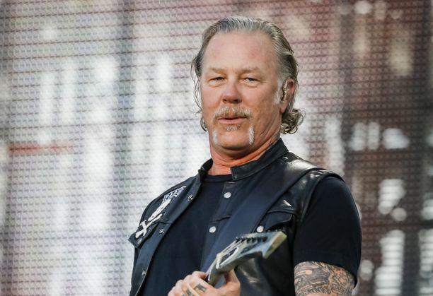 Hevimetallibändi Metallica tekee aktiivisesti hyväntekeväisyyttä.