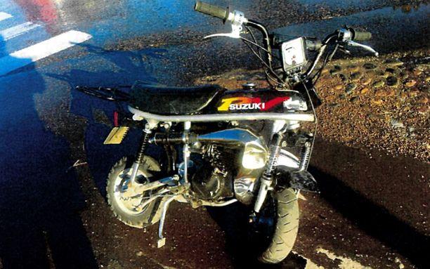 """Vanha """"tossumopo"""" oli viritetty moottoripyöräksi."""