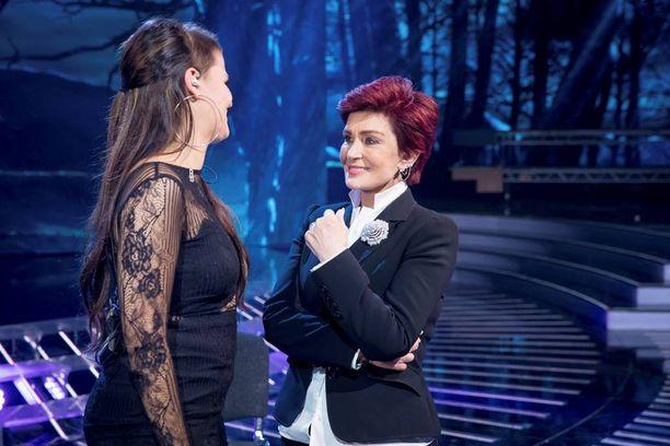 Ohjelman myötä Saaran yhdeksi faniksi on tullut itse Sharon Osbourne.