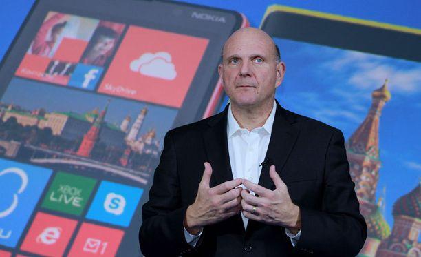 Microsoftin päätös ostaa Nokian matkapuhelintoiminta oli yhtiön edellisen toimitusjohtaja Steve Ballmerin suurhanke, joka ei ole kantanut hedelmää. Kuvassa Ballmer vuonna 2012.